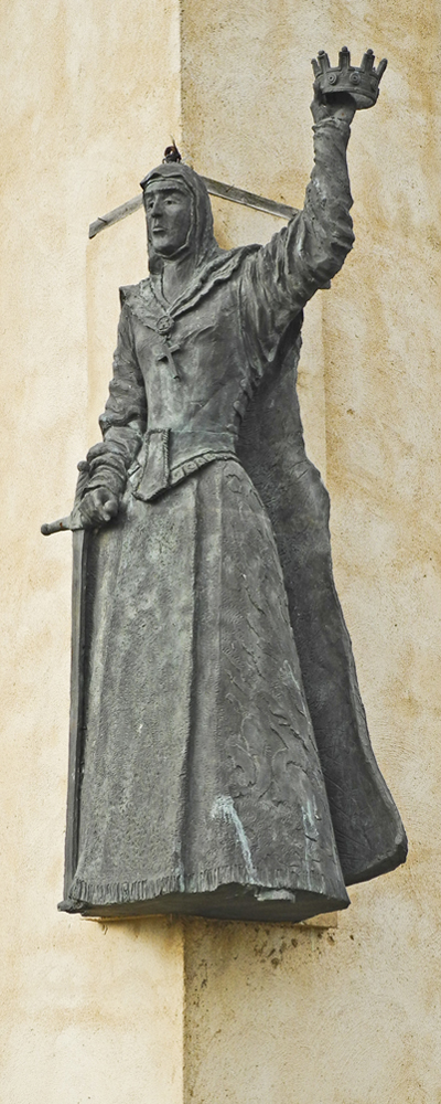 Isabella of Castile at the memorial from the Battle of Toro